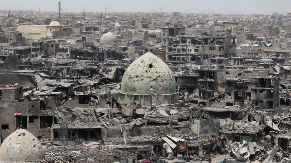 An Amnesty International report says Australia, as part of the US-led coalition fighting the Islamic State, has committed war crimes in Iraq