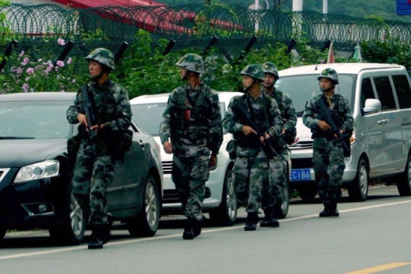 Chinese troops on border