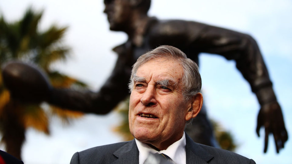 Sir Colin Meads 'extremely unwell' - family