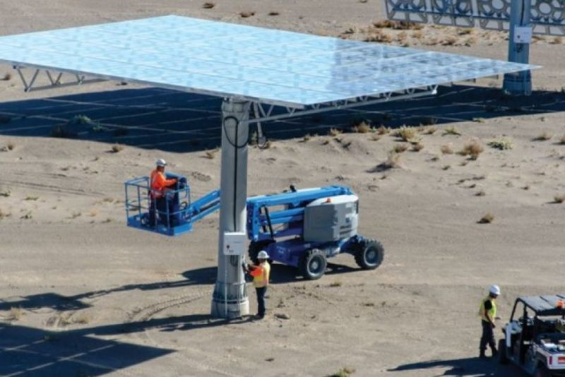 SolarReserve promotion photo of solar thermal plant