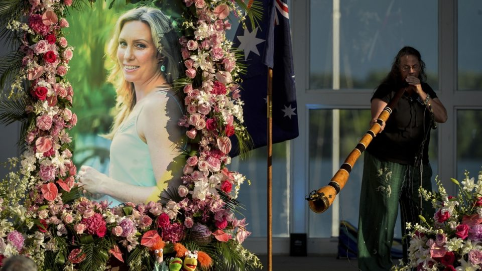 Memorial service held for Justine Damond shot by Minneapolis police officer