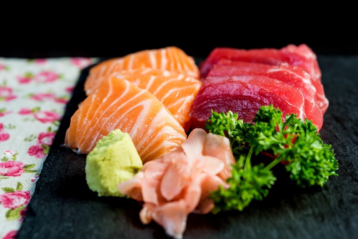 sashimi salmon tuna
