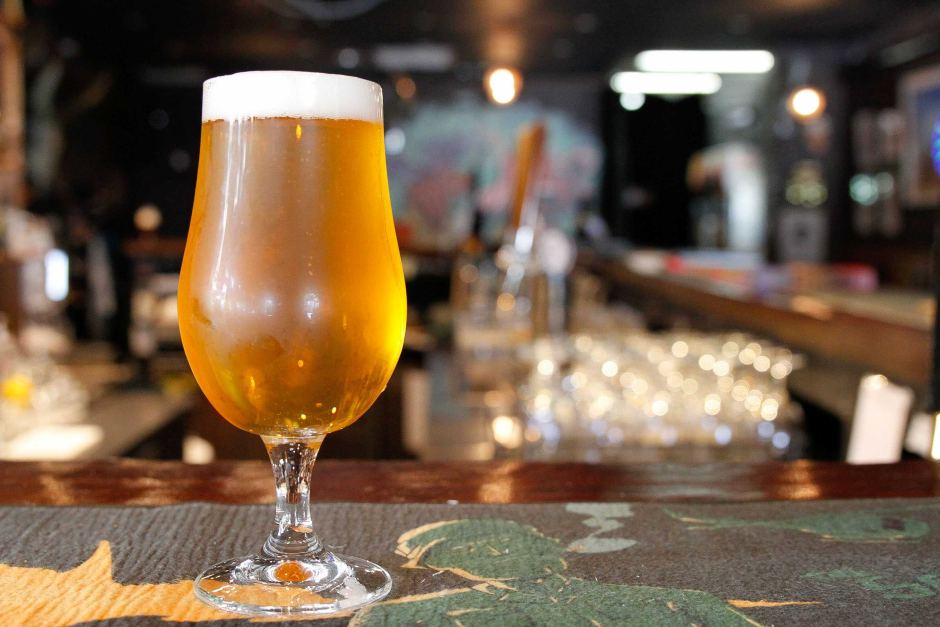 """Beer and rock enthusiasts on Kangaroo Island have teamed up to make a """"shale ale""""."""