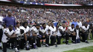 US athletes kneeling protest