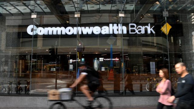 Comm Bank apologises for 24-hour technical glitch