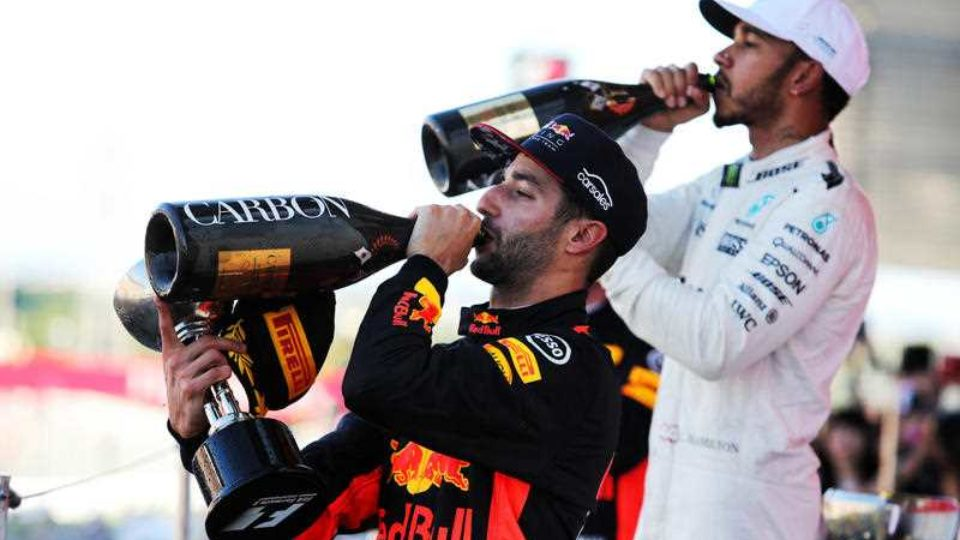 Lewis Hamilton Wins Daniel Ricciardo Third At Japan F1