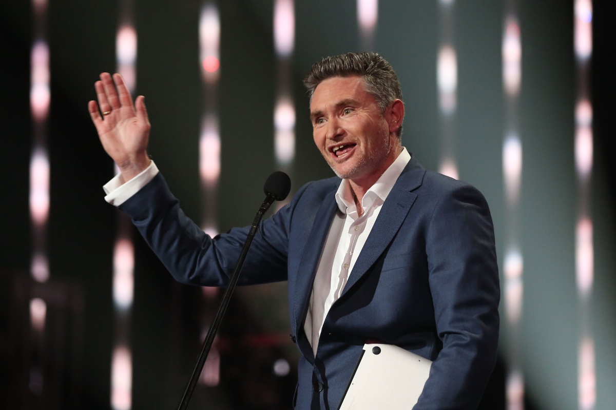 comedian-dave-hughes
