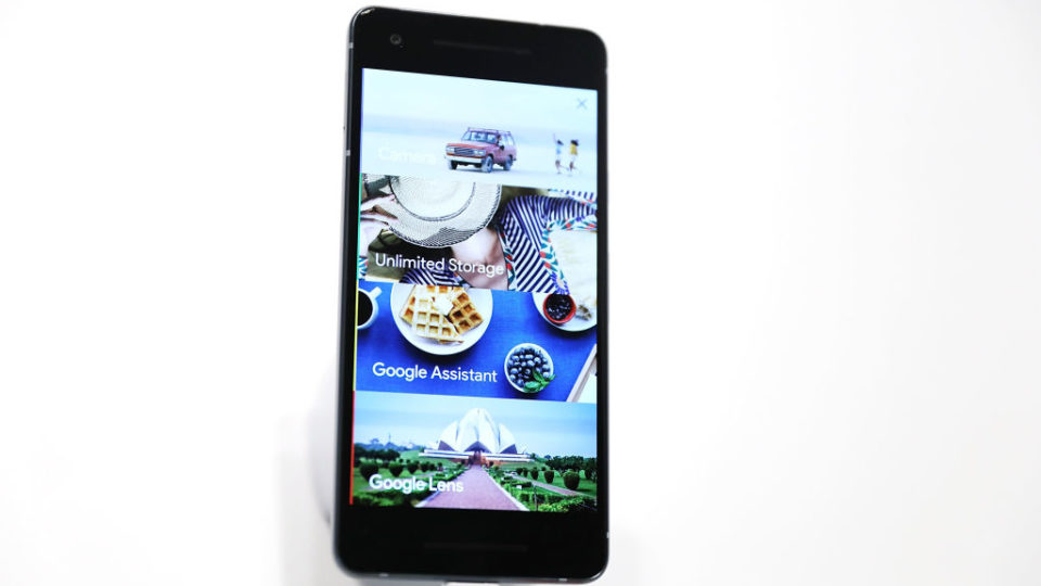 Google Lens rolls out to first-generation Pixel and Pixel XL