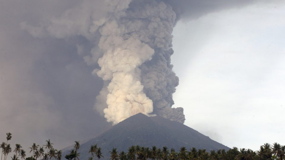 Bali S Mount Agung Is Blowing Its Top Again The New Daily Bali S