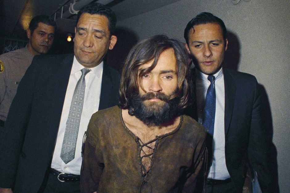 leslie van houten Charles Manson escorted to his arraignment in 1969