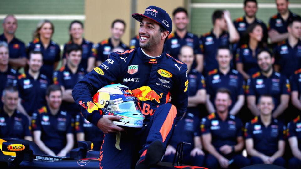 Daniel Ricciardo was forced to retire from the Abu Dhabi Formula One Grand Prix with a flat tyre.