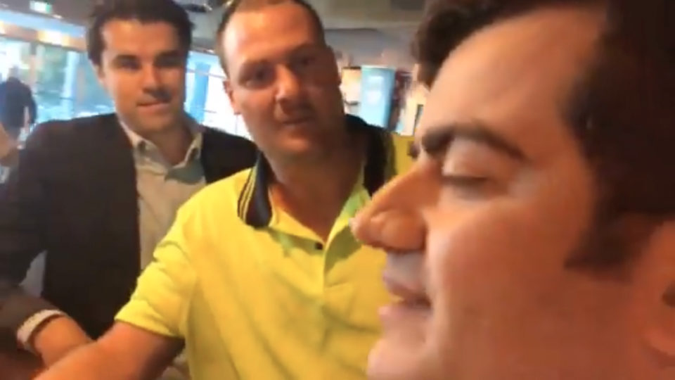 Senator Sam Dastyari racially abused in Melbourne pub
