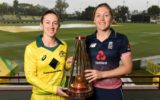 Australian captain Rachael Haynes and English skipper Heather Knight with the Womens Ashes trophy.