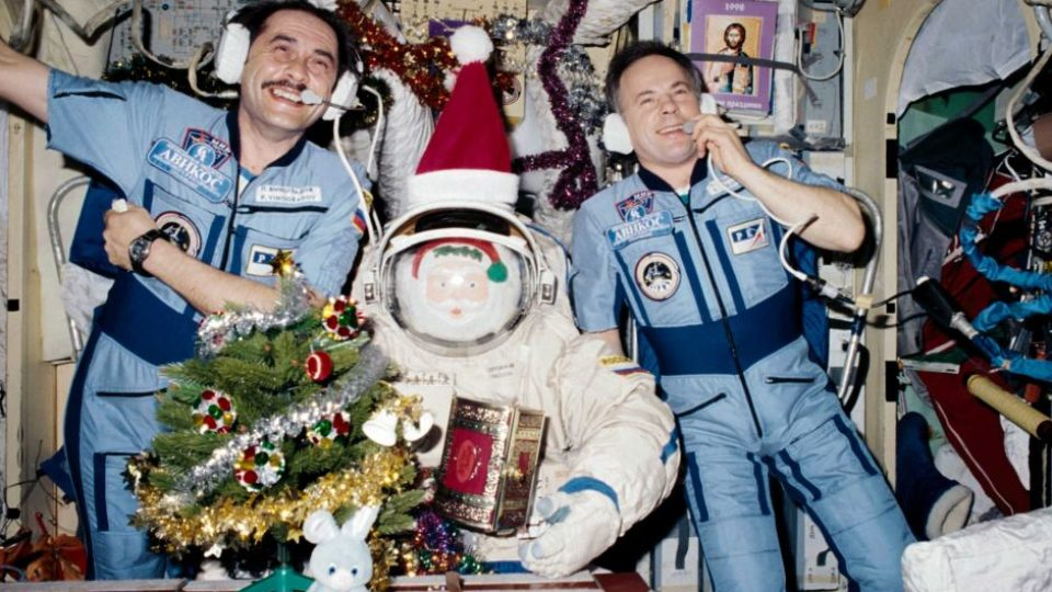 Cosmonauts on the Mir Space Station 1997