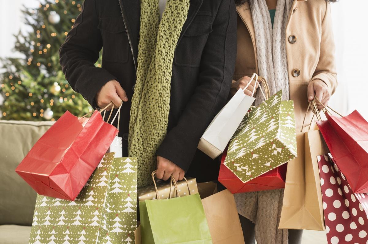 Christmas-spending-shopping