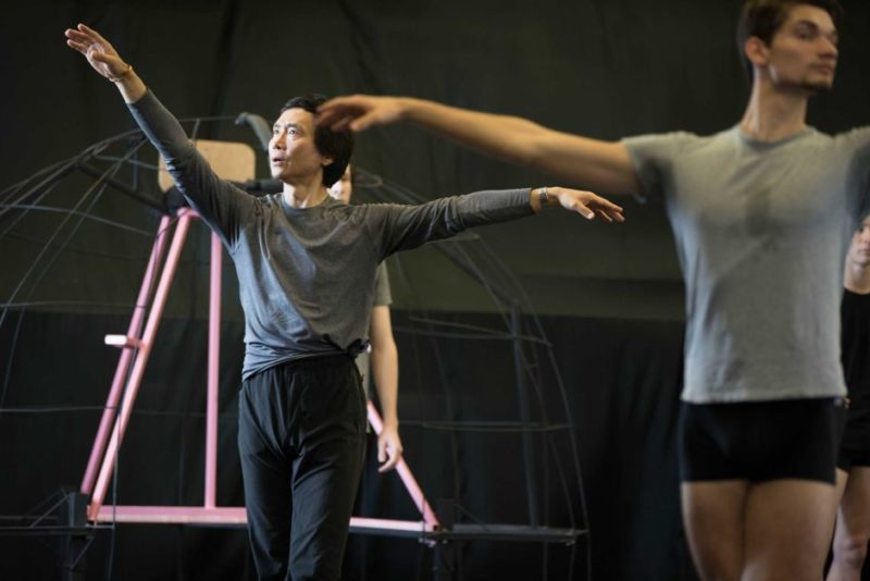 Li Cunxin in rehearsals