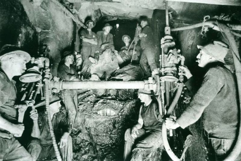 Men broke through the tunnel's end under Sydney Harbour