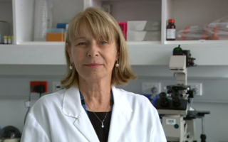 Professor Rakoczy in her lab