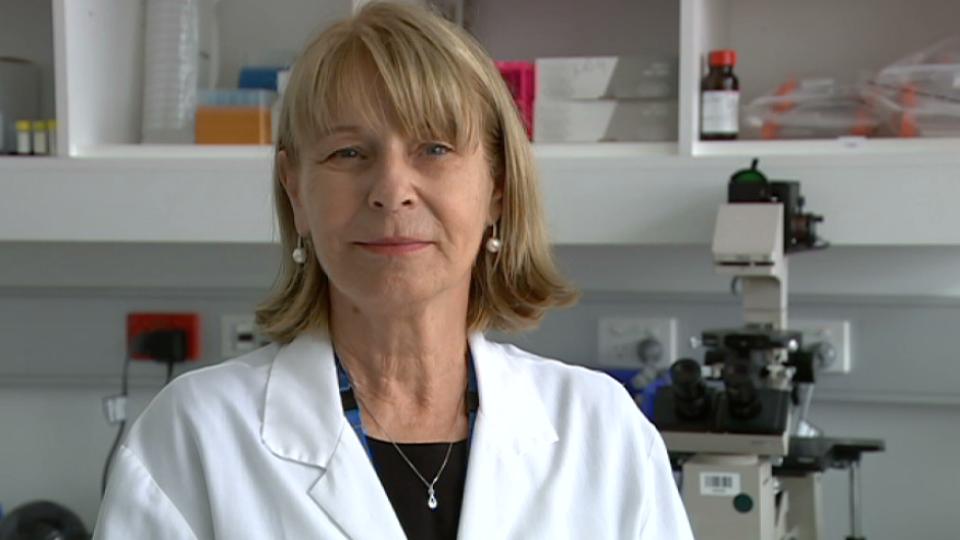 Professor Rakoczy in her lab