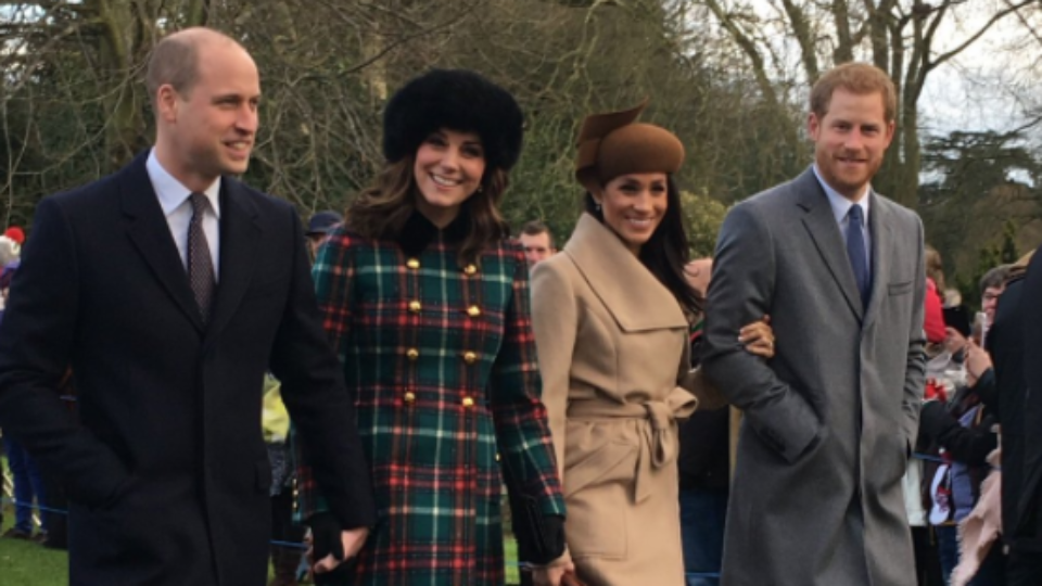 Single mum cashing in on this flawless picture of the Royal family