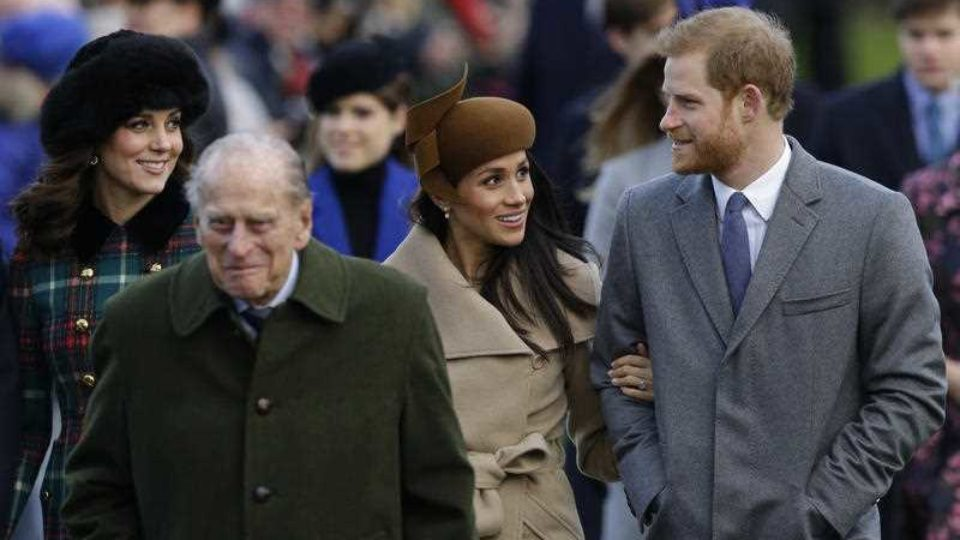 meghan markle attends Christmas Church service