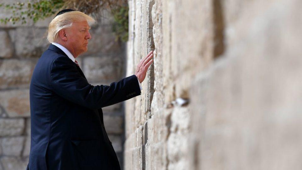Trump considers moving Israel capital to Jerusalem