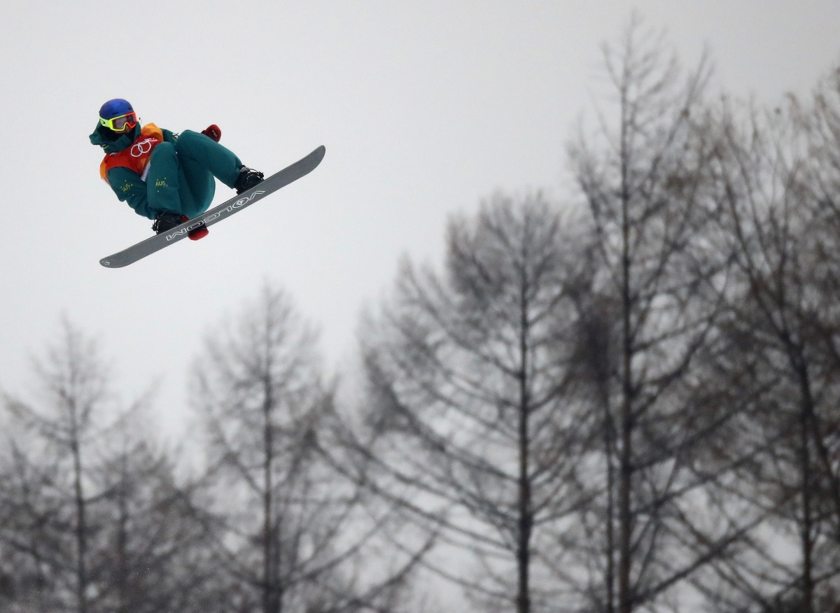 James wins bronze in snowboard halfpipe