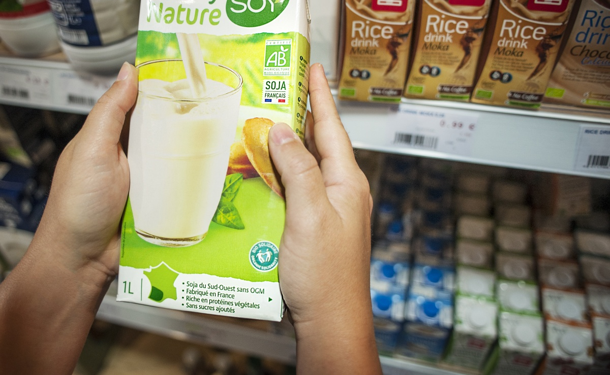 A Health Check For Non Dairy Milks The New Daily