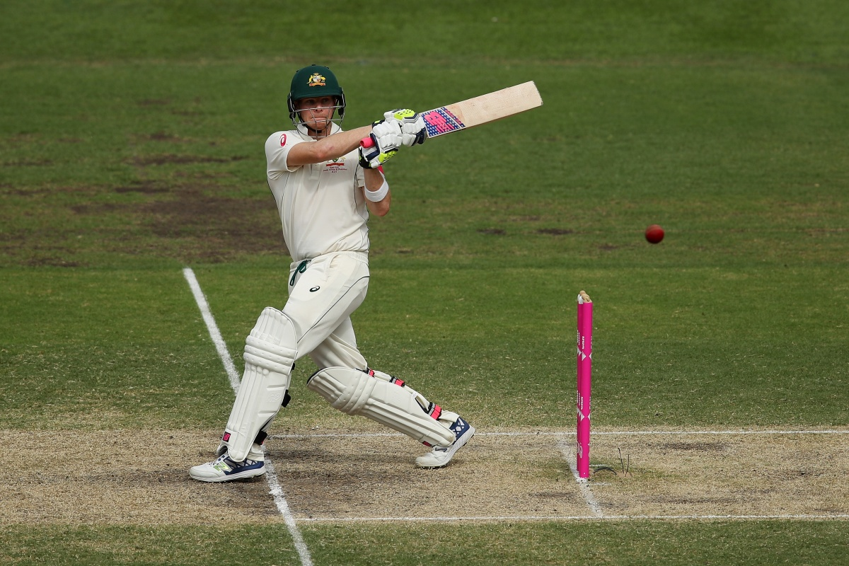 Steve Smith bats during day four of the third Test match between Australia and Pakistan in 2017.