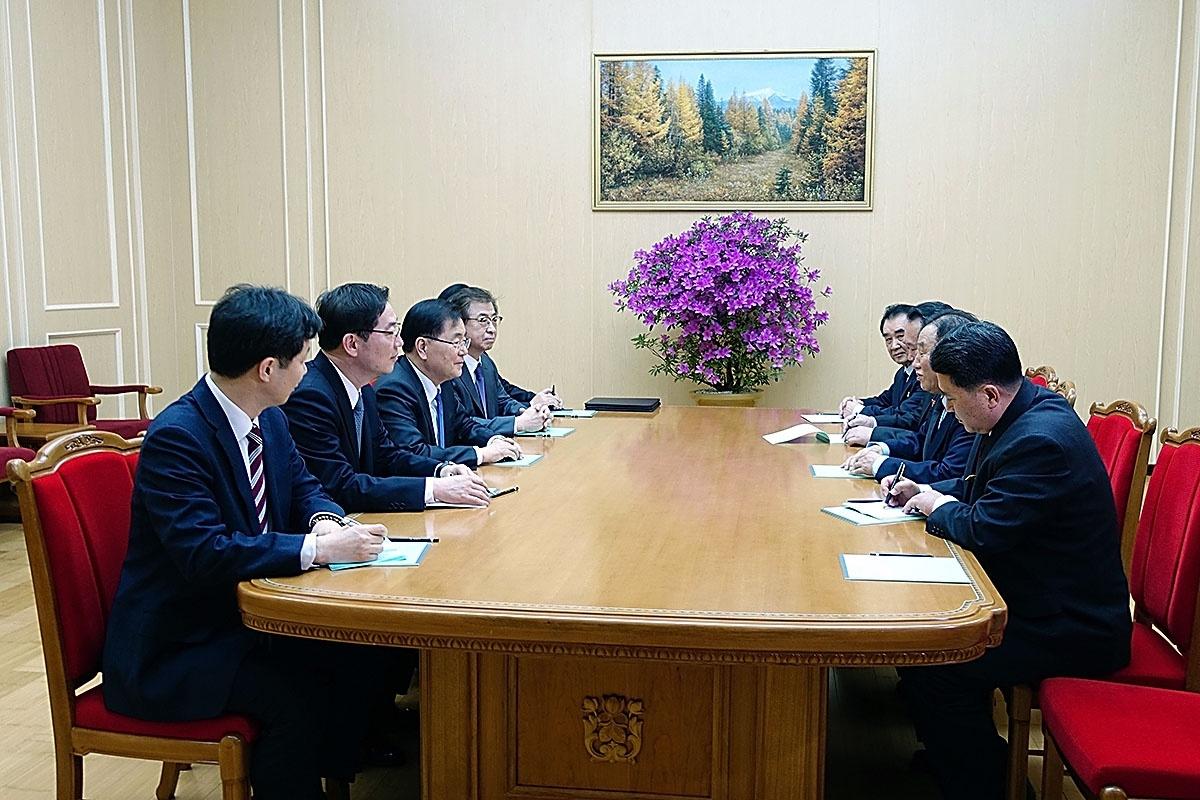 north korea hosts south korean delegation