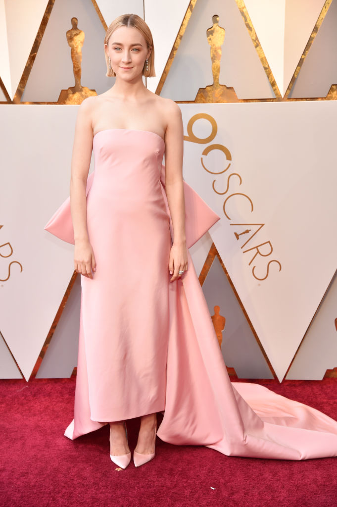 Saoirse ronan barely clothed at the academy awards 2016
