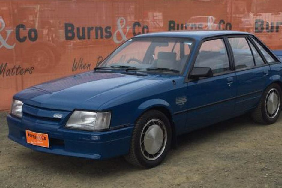 30-year-old Holden Commodore fetches $340,000 at auction