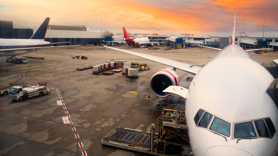 Profits at Australian airports keep fares high