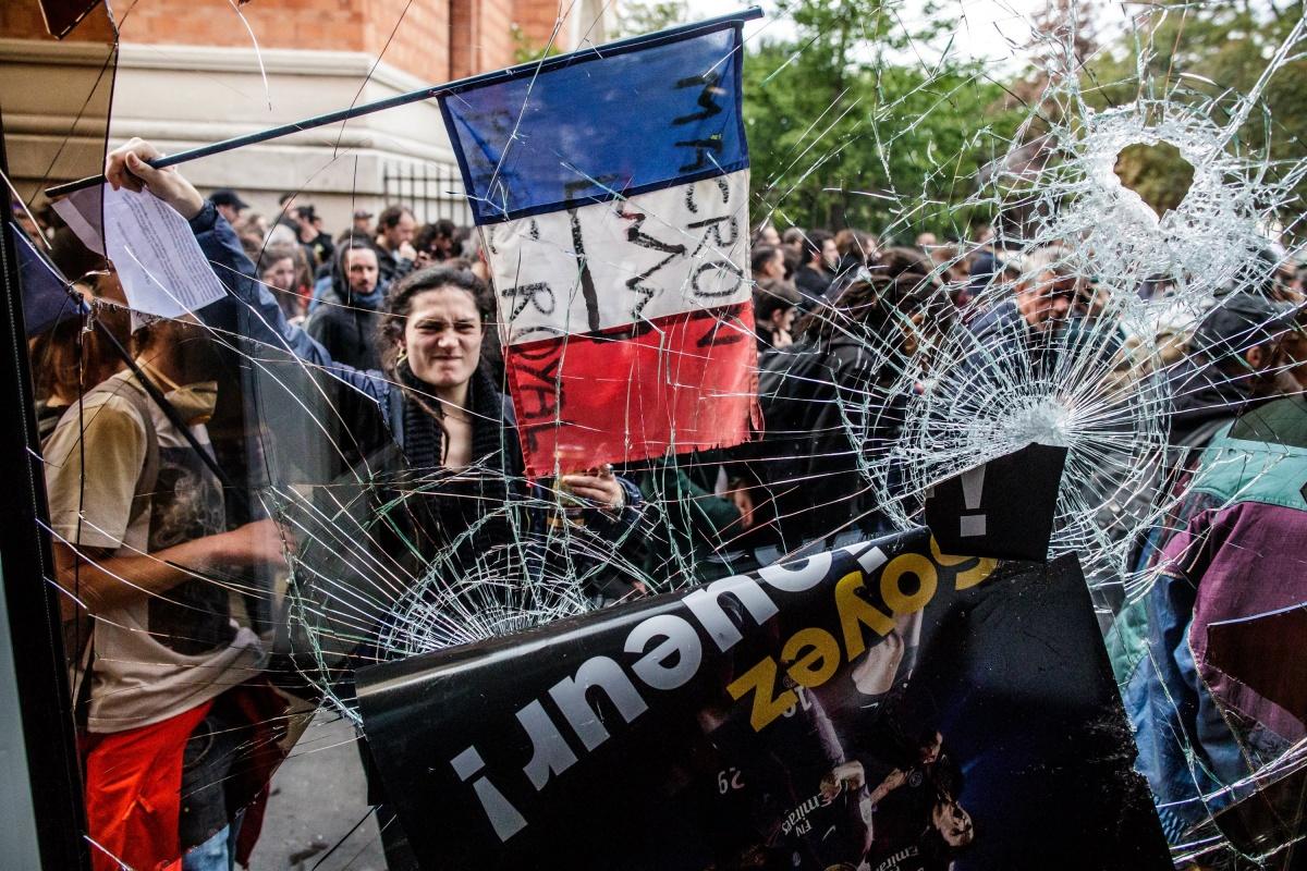 Emmanuel Macron protesters