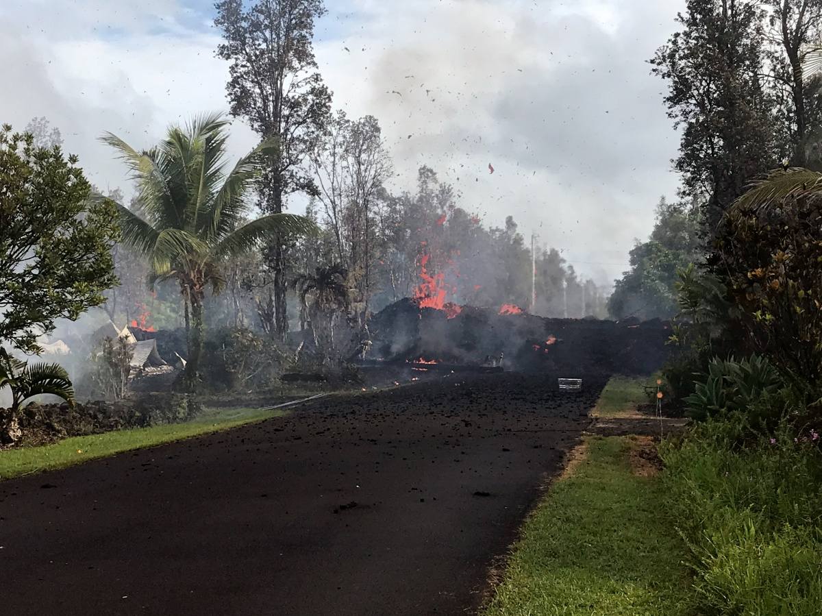 hawaii-volcano-road