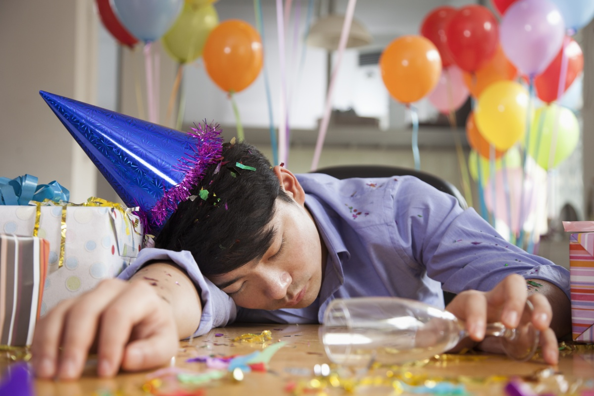 Alcohol can cause hallucinations when a person experiences a hangover.