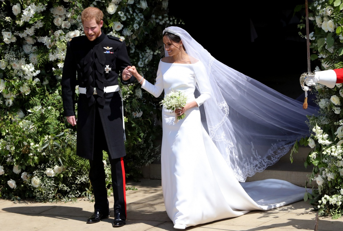 Meghan Markle's unexpected wedding dress wows the fashion ...