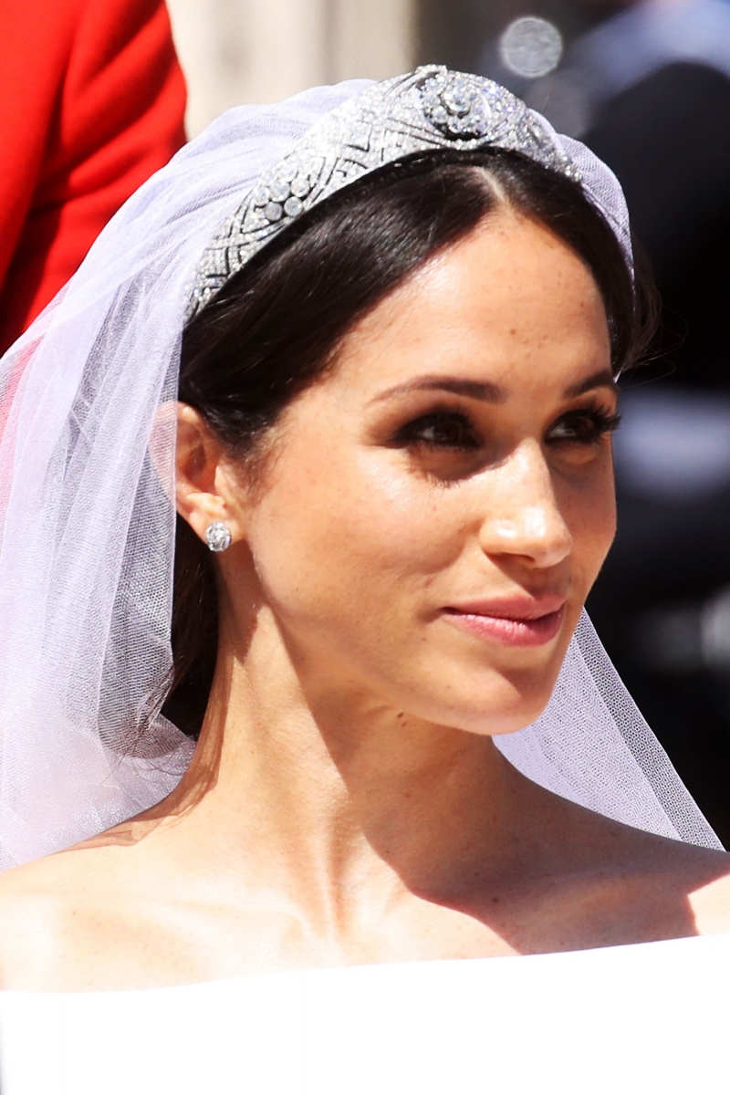 Princess Margaret Style >> Meghan Markle's unexpected wedding dress wows the fashion world