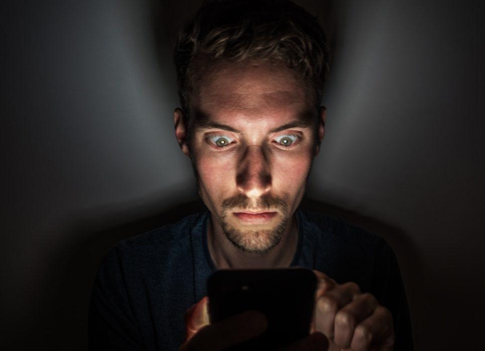 mobile-phone-night-dark