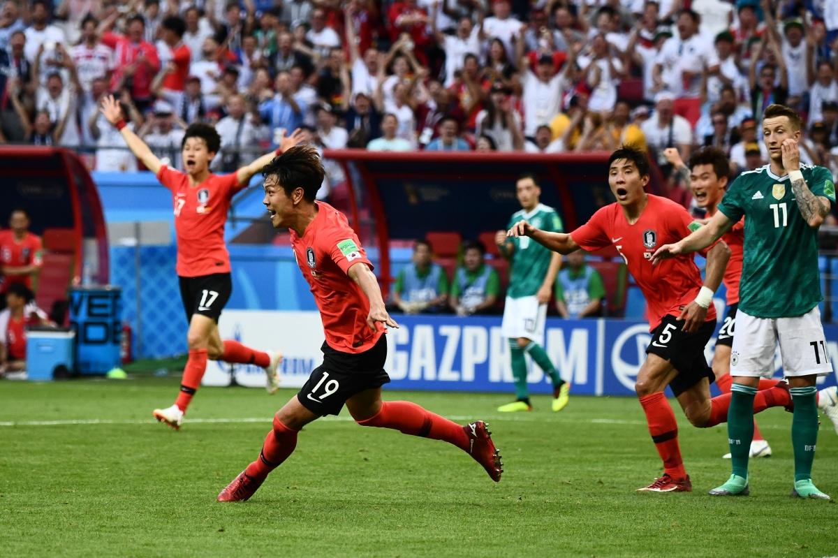 Germany World Cup South Korea defender Kim Young-gwon celebrates after  scoring the ... 68ff3cad2