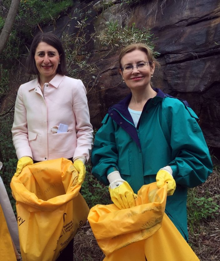 gabrielle upton and gladys berejiklian - nsw plastic bag ban