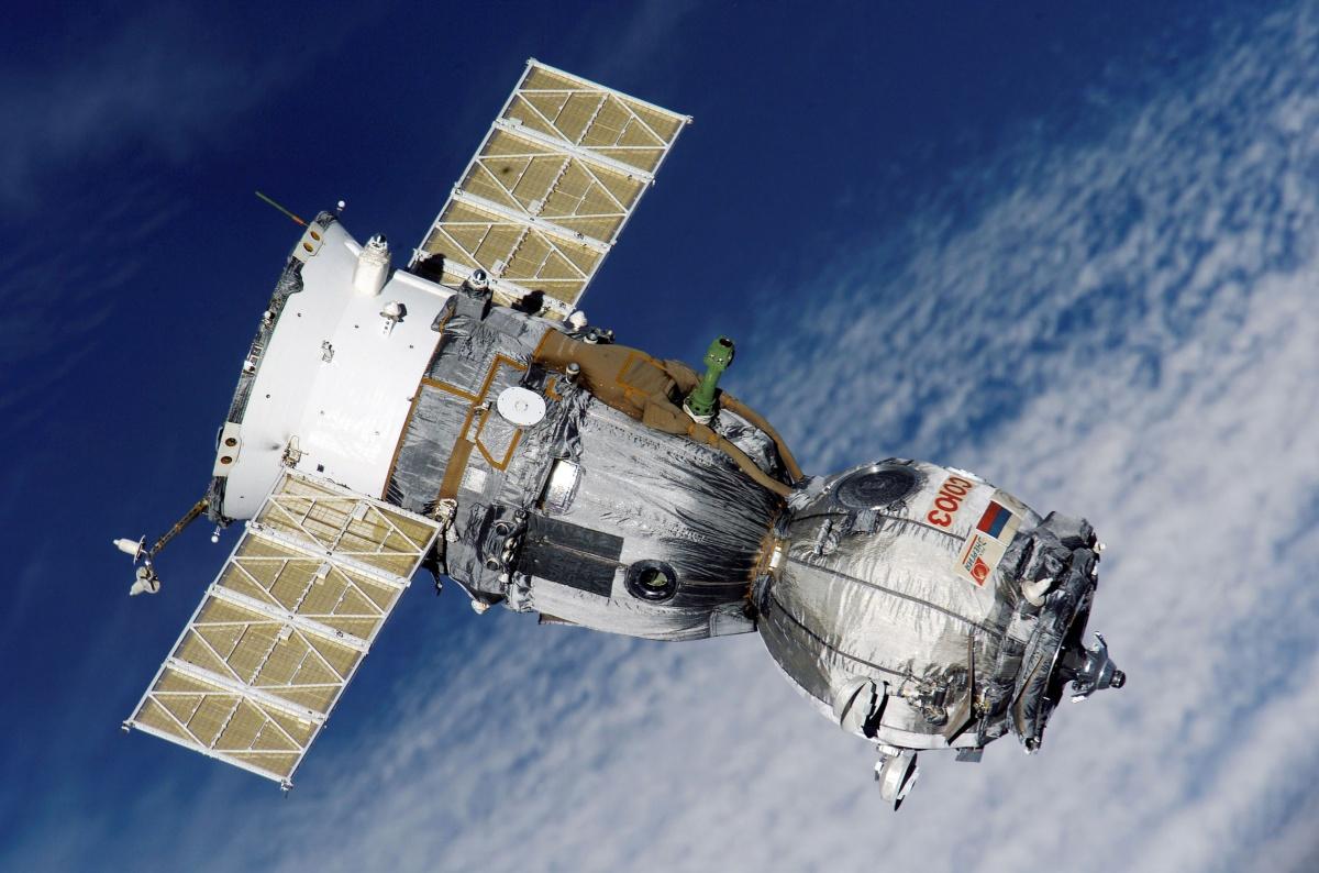 international space station leak