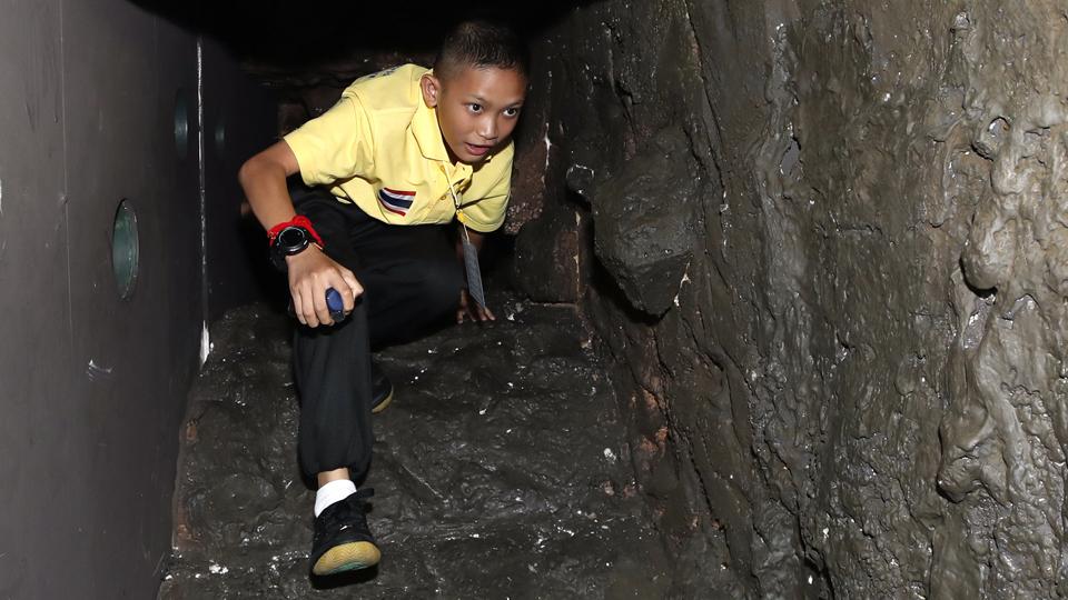 thai cave rescue shopping centre