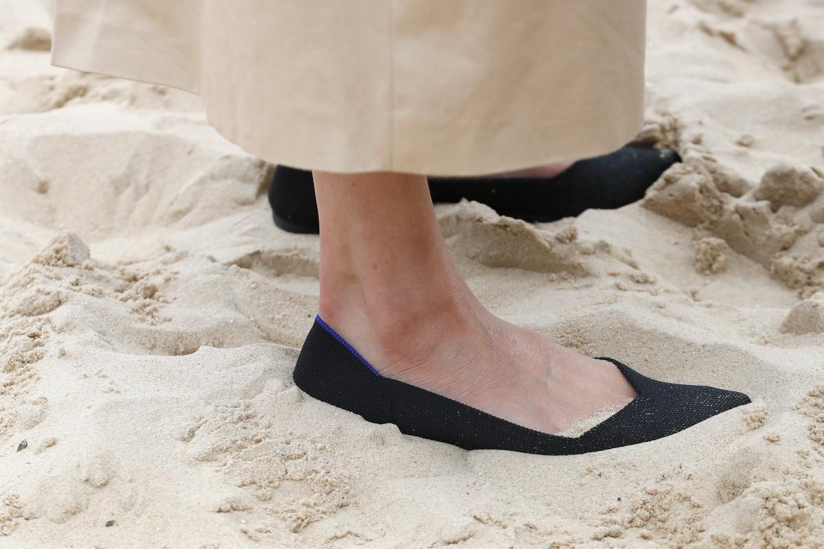 Meghan Markle beach shoe