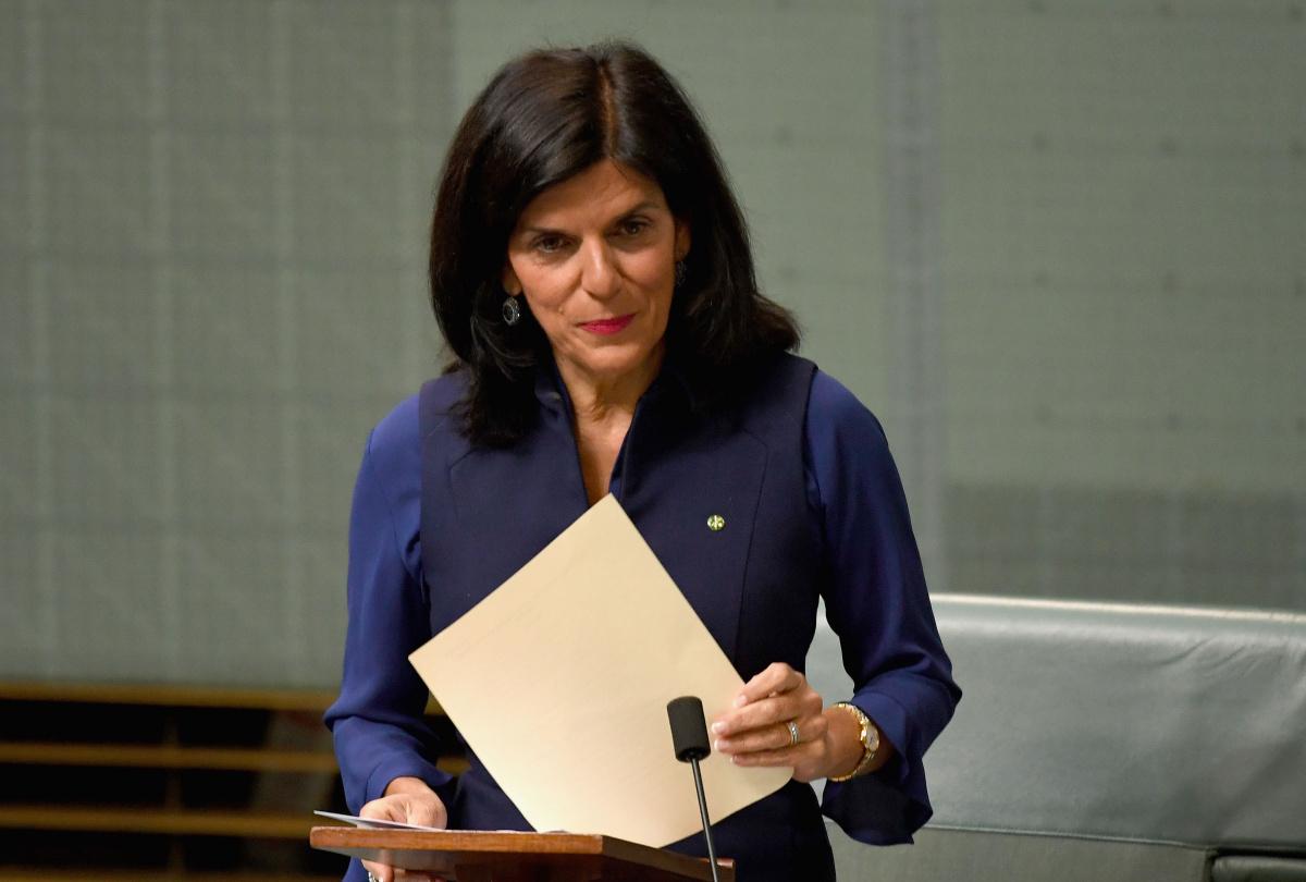 julia banks quits liberals