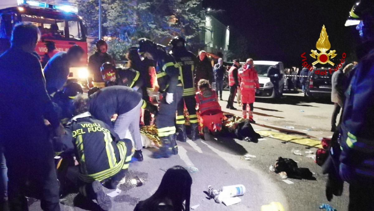 six dead at italy nightclub stampede