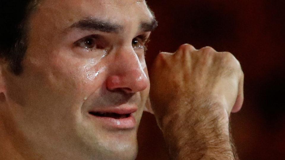 roger-federer-crying