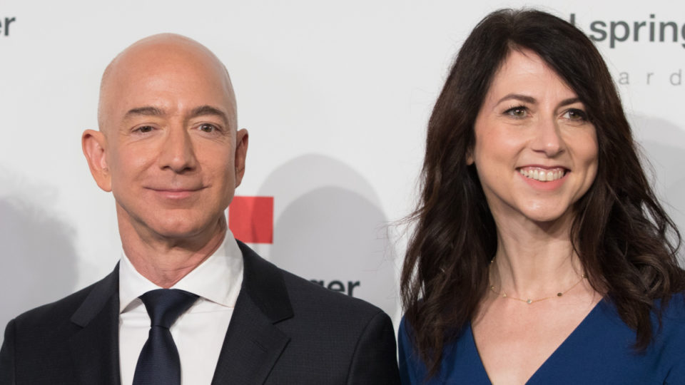 Jeff Bezos extortion claim against National Enquirer