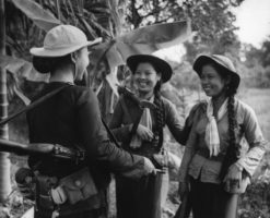 Vietnamese soldiers females