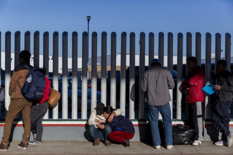 trump-wall-mexico